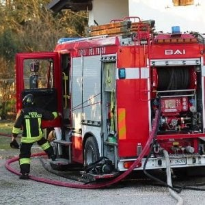 Mantova, disabile 63enne muore nel rogo del garage dove viveva temporaneamente con suo padre