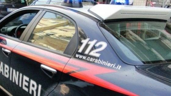 Con l'ascia aggredisce un passante e i carabinieri, arrestato ventinovenne nigeriano