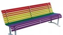 Contro l'omofobia, panchine arcobaleno nei quartieri di Milano