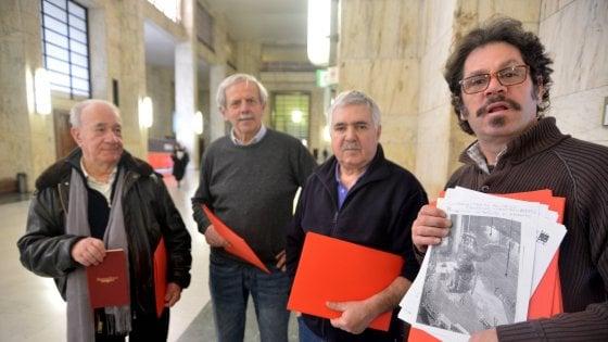 """Amianto alla Scala fino agli anni Novanta, dossier shock dai familiari delle vittime: """"Bonificata solo grazie ai lavoratori"""""""