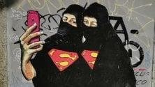 Alda Merini, Barbie e Maga Magò: le superwomen sui Navigli