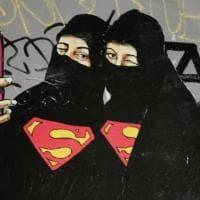 Alda Merini, Barbie e Maga Magò: le superwomen appaiono sui Navigli