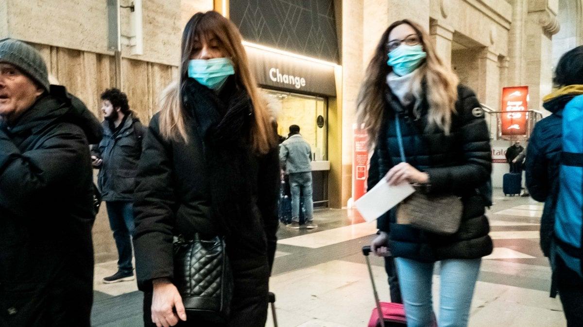 Coronavirus, dal Comune di Milano alle grandi aziende: i lavoratori a rischio restano a casa