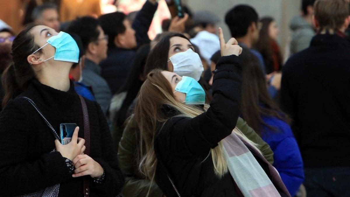 Coronavirus, per una settimana didattica sospesa nelle università lombarde. Comune di Milano e grandi aziende: i lavoratori a rischio restano a casa