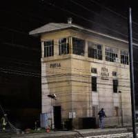 Incendio nella stazione di Pavia: circolazione a binario unico