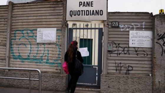 Ordinanza coronavirus, Pane Quotidiano sospende distribuzione di cibo. Milano Ristorazione manda i pasti delle scuole ai poveri