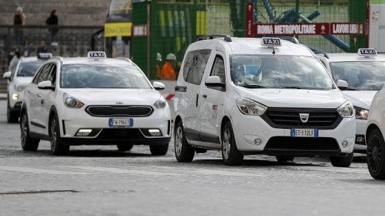 Fuga da Milano destinazione Roma, una ragazza sceglie il taxi e paga 1.200 euro