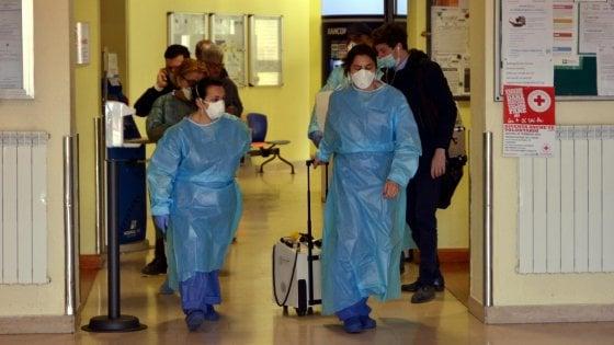 Coronavirus, il paziente 1 di Codogno respira autonomamente: via dalla terapia intensiva