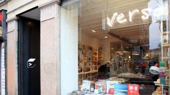 Tutti in casa per il coronavirus, le librerie di Milano organizzano le consegne a domicilio