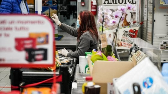 Il commercio in ginocchio per il coronavirus, guida ai negozi di Milano che restano aperti