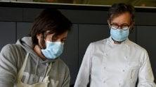 Cracco cucina per gli operai al lavoro per il nuovo ospedale alla Fiera