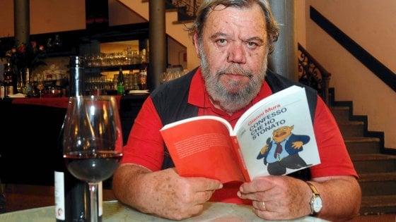 Addio Gianni Mura, le giornate in redazione e quelle nottate tra mnemonica, carte e mezze sigarette