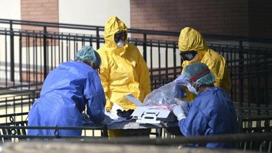 """Coronavirus, 52 morti tra gli anziani di una casa di riposo a Mediglia. I parenti: """"Vogliamo verità"""""""