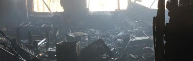 Incendio al Palazzo di giustizia: distrutto l'archivio centrale, chiusi tre piani