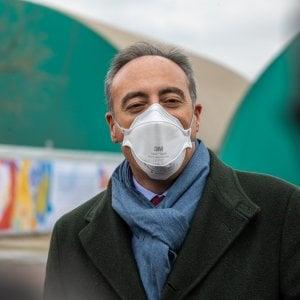 Coronavirus in Lombardia, meno morti in un giorno, aumentano