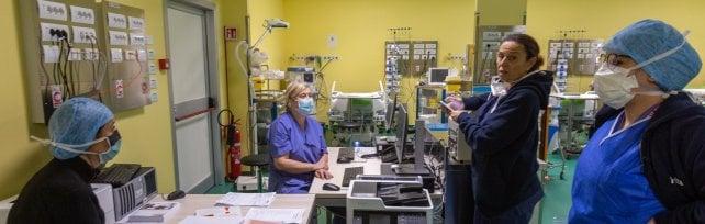 Coronavirus, in Lombardia rallentano ancora i contagi: sono 1.047 nelle ultime 24 ore