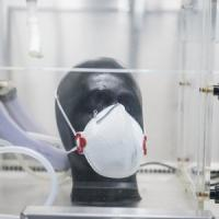 Coronavirus, azienda milanese può produrre mascherine: c'è l'ok dell'Istituto