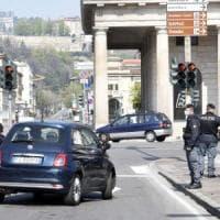 Bergamo, bimba di 3 anni ingoia pila di un orologio e muore soffocata
