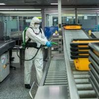 Coronavirus, la sanificazione quotidiana all'aeroporto di Malpensa