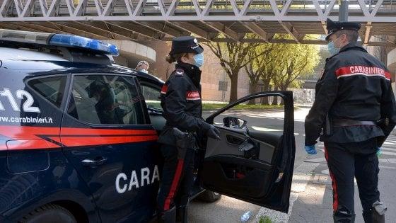 Coronavirus in Lombardia, 613 cittadini sanzionati a Milano. Sequestrati disinfettanti fasulli nel Mantovano