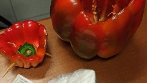 Coronavirus, finge di consegnare verdura a domicilio ma nel peperone nasconde la coca: arrestato ortolano-pusher