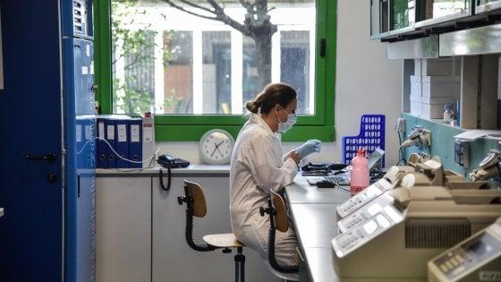 """Coronavirus in Lombardia, aumentano ancora i morti: più 280 in un giorno. Gallera: """"Controlli spettano a forze dell'ordine non a noi"""""""