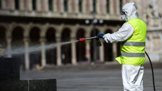 Coronavirus in Lombardia, meno 27,5% di rifiuti a Milano. Da oggi nuovo ciclo di sanificazione