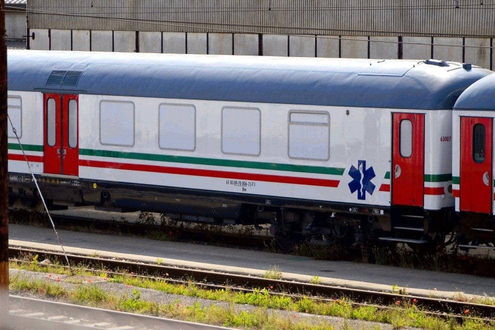 Il treno-Covid a Milano: ospedale da campo mobile per le emergenze sanitarie