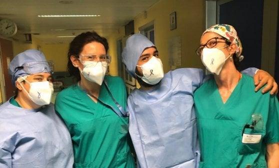 Coronavirus, mascherine listate a lutto: oggi il flash mob virtuale per commissariare la Lombardia