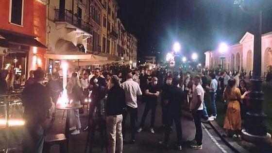 Coronavirus, a Brescia coprifuoco nella piazza della movida