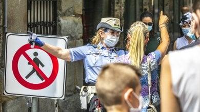 Foto  Senso unico per i pedoni nel centro di Bergamo: il test anti-assembramenti