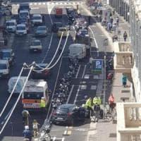 Milano, scontro sulla nuova pista ciclabile, ferita una donna