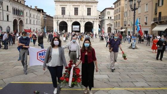 """La strage di Piazza della Loggia 46 anni dopo, Mattarella: """"Brescia coraggiosa oggi come allora"""""""