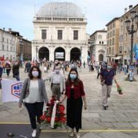 """La strage di Piazza della Loggia 46 anni dopo, Mattarella: """"Brescia coraggiosa oggi come..."""