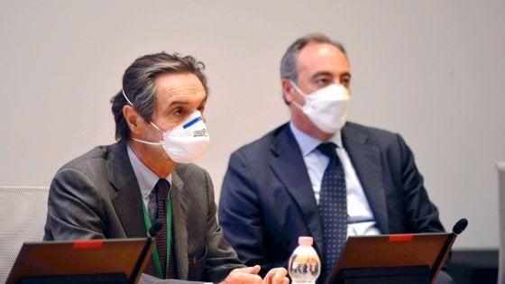 """Coronavirus, Fontana e Gallera ai pm di Bergamo: """"Spettava al governo istituire zona rossa"""". Contestazioni in piazza"""