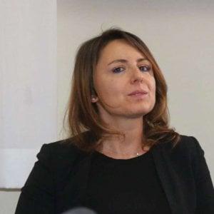 Lecco, la pm Laura Siani trovata in casa senza vita : ipotesi suicidio