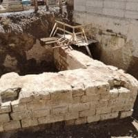 Milano, nel cantiere della M4 ritrovato un muro antico: rallentati i lavori