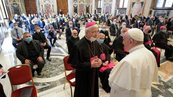 Papa Francesco in pellegrinaggio nelle terre ferite dal Covid: la promessa di una visita in Lombardia