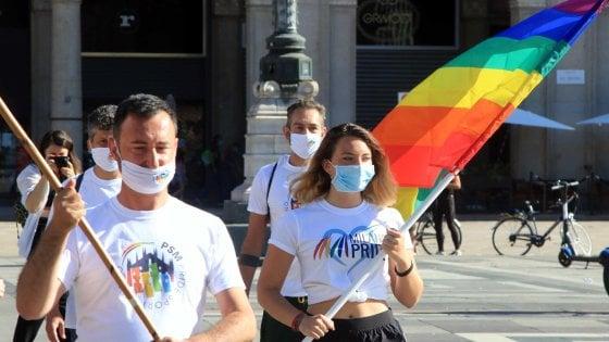 Milano Pride 2020, Palazzo Marino illuminato con l'arcobaleno: l'omaggio nell'anno senza tradizionale parata