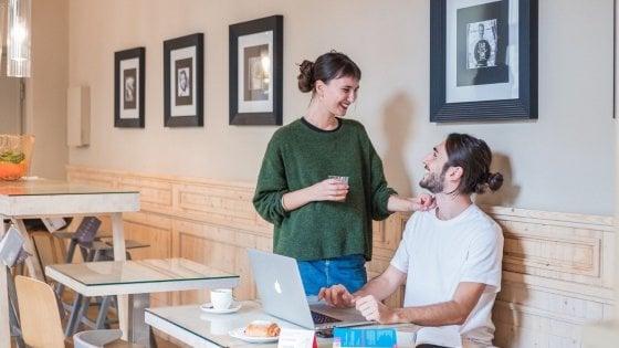 Lo smartworking? Nella Fase 3 si fa al bar, una app indica i locali dove prenotare una scrivania