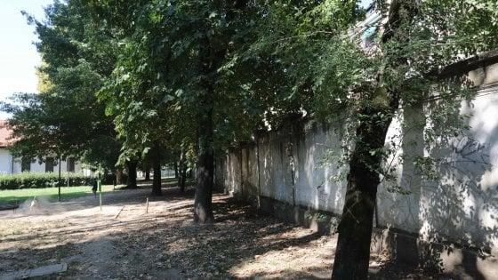 Milano, uomo accoltellato nel parco Trotter mentre faceva jogging: grave