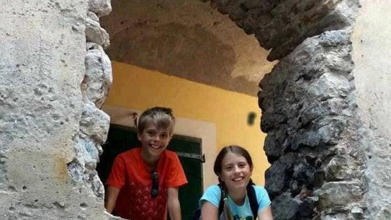 """Omicidio dei gemelli in Valsassina, """"La coppia si stava separando ma lei non voleva portargli via i figli"""""""