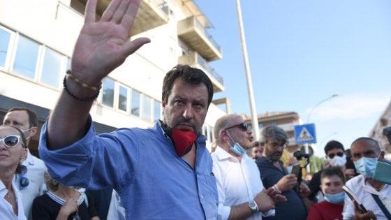 """Matteo Salvini a Codogno: """"Nel plexiglas mia figlia a scuola non la mando"""""""