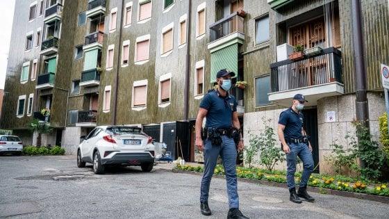 """Milano, lite in un condominio: attore accoltella a morte il vicino. """"Avevamo tutti paura delle sue sfuriate"""""""