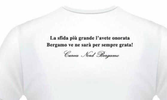 Coronavirus, in una maglietta il tributo dei tifosi atalantini a medici e infermieri, proventi in beneficenza