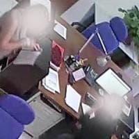 Corruzione e abuso d'ufficio, ai domiciliari tre dipendenti dell'Agenzia