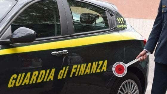 Le mani della 'ndrangheta sui fondi per l'emergenza Covid: otto arresti, ottenuti 45mila euro di contributi