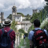 Tra le mulattiere e il lago, passando per i borghi: il Sentiero dei Viandanti è il primo 'Cammino d'Italia'