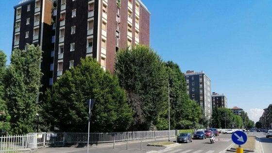 Stop agli sfratti delle case via Tolstoj a Milano: la proprietà congela il progetto di riqualificazione
