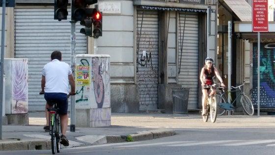 Milano, rivoluzione della mobilità nella Cerchia dei Navigli: doppia preferenziale e ciclabile stile Baires